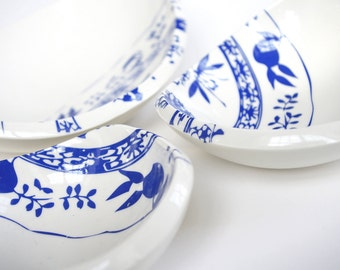 bowls with onion pattern
