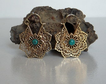 A Brass Hoop Earring / Turquoise Stone Brass Hoop Earring / Tribal Hoop Earring / Brass Hoop Earring / One Pair.