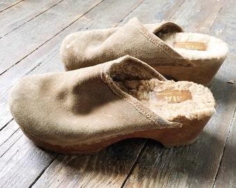 Vintage Taupe Tan Leather Wooden Heel Slip On Platform Clog Sandals w/ Real Fur Lining 6