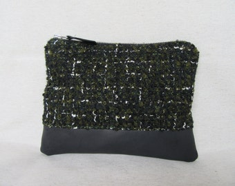 Tote bag in curly wool and black leather base. Clutch.