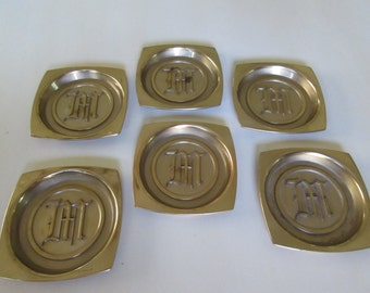 HYDE PARK MONOGRAMMED M Coasters
