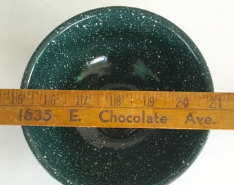 Graniteware Bowl Green And White Speckled 9 Inch