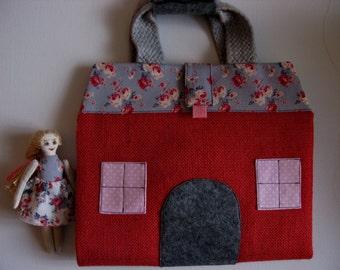 "Handbag ""Doll House"""