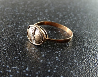 Beautiful Dainty Victorian 9ct Gold & Diamond Ring