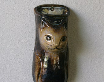 Vintage North Eagle Pottery Ceramic Cat Wall Pocket