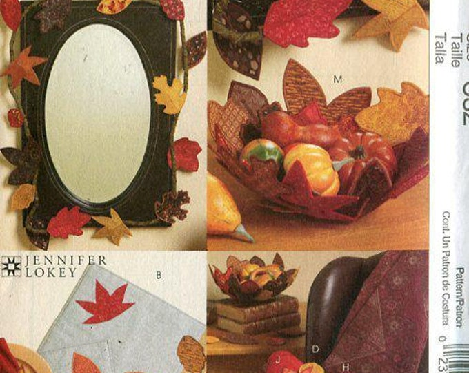 Free Us Ship Craft Sewing Pattern Uncut McCall's 5947 Thanksgiving Fall Leaves Table Accessories Garland Placemat Fabric quilt Bowl