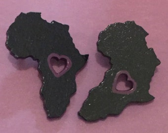 Black Africa Post Earrings with Purple Heart