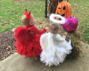 Newborn wings and feather skirt/feather wings/newborn to 12 month photo prop/baby Angelic/Angelic costume/White feather wings