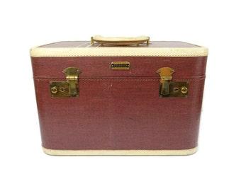 vintage leather train makeup case with key Platt brown 1940s