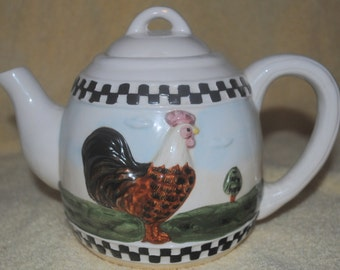 sm white TEAPOT,CUP/SAUCER with roosters