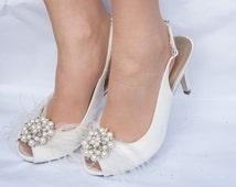 wedding shoes, brides shoes,wedding shoes with feathers  Uk size 6 US size 8.Classic, elegant bridal shoes. vintage wedding shoes