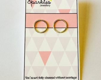 Special earrings, in sleek design