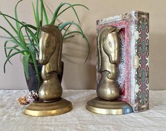 Brass Horse Bookends / Brass Horse Head Bookends / Vintage Brass Bookends / Mid Century Brass Bookends / Brass Horse/ Mid Century Bookends