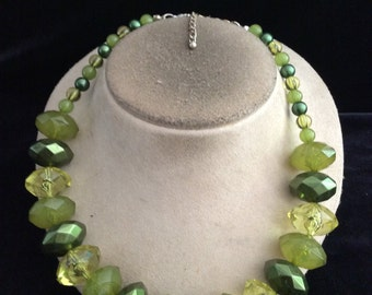 Vintage Chunky Shades Of Green Beaded Necklace
