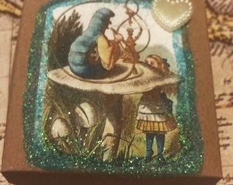Vintage Alice in wonderland mini gift box