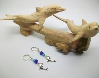 Ocean friends - Mismatched dolphin earrings