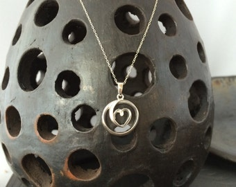 "Delicate swirl heart sterling silver pendant on 20"" sterling silver chain necklace vintage"