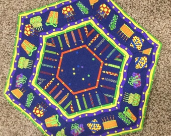 """Quilted """"Happy Birthday"""" Table Mat"""