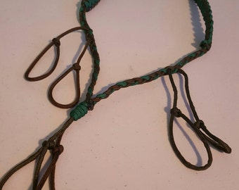 Paracord lanyard for duck calls