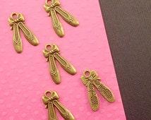Ballet Slippers Shoe Charm. 10pc Antique Bronze Tone 3D Ballet Slippers Charms 21x13mm. Dance Charm. Shoe Pendant. Ballet Charm - (10-0068G)