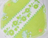 Retro green flowery pantyliner -  cloth pad - cloth pantyliner - reusable pantyliner - Cloth liners for everyday use - reusable liners