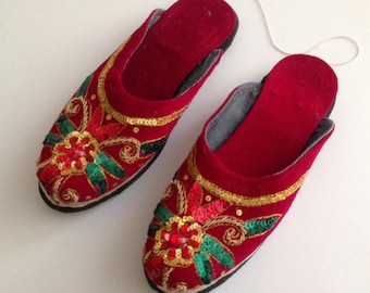 Ethnic Nepali Handmade Suede Sitara Embroidery Slippers