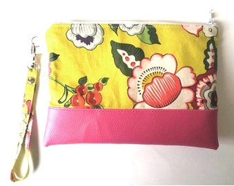 Pouch with Fuchsia flowers