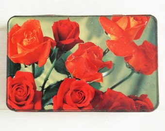 Large Metal Biscuit Tin with Lid -Red Rose Pattern - 1950s or 1960s