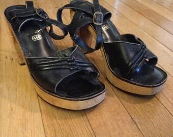 Vintage 1970s Black Leather Wooden Clog Platform Sandals Size 5.5
