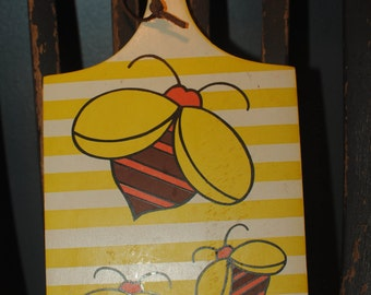 Retro Lorrie Design Wood Cutting Board Yellow Stripe/Honeybees/made in Japan/Retro Kitchen Decor