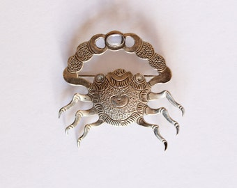 Unique Crabby brooch