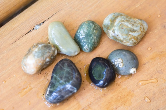 Blend of small colorful beach stones river rocks for for Small river pebbles