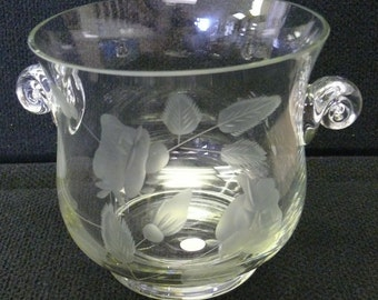 Beautiful Crystal Glass Ice Bucket