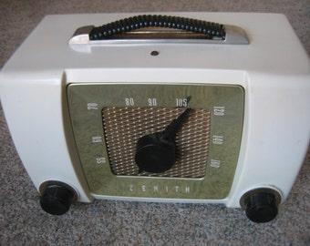 Zenith model H615-W radio 1950's