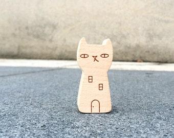 Little wooden cat card holder