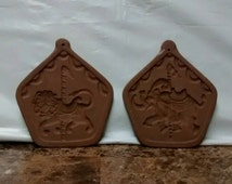 HARTSTONE POTTERY USA shortbread molds . carousel horse and circus elephant .