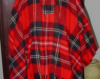 Vintage Hunter Plaid Red and Black Womens Med To Large Cape...Hood With Zipper Top