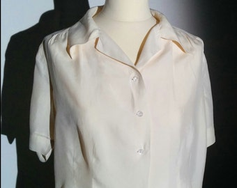 Vintage Cream Silk blouse with short sleeves