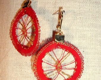 Earrings red and gold lace