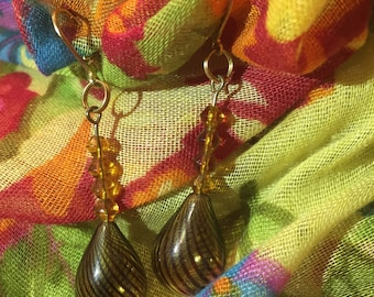 Caramel swirl tear drop earrings