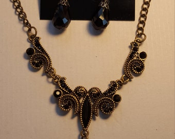Victorian Style Necklace Set