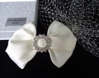 Ivory birdcage veil, bridal fascinator, Gazar silk bow, bridal hair clip, wedding veil with detachable bow, 50s 60s vintage style headpiece