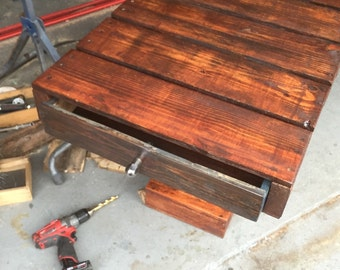 Entry table with drawers made with reclaimed wood