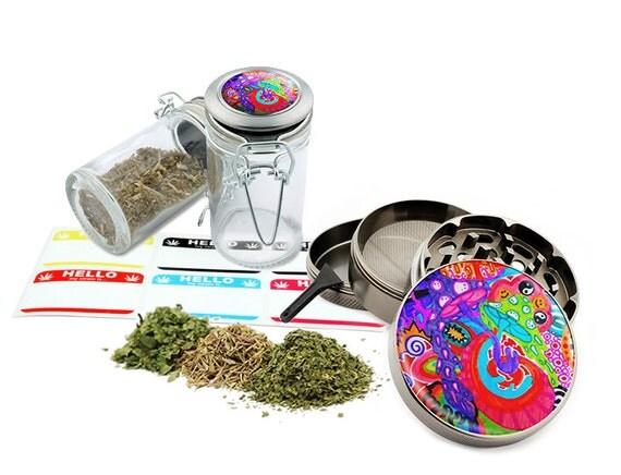 "Psychedelic Mushroom - 2.5"" Zinc Alloy Grinder & 75ml Locking Top Glass Jar Combo Gift Set Item # G022015-001"
