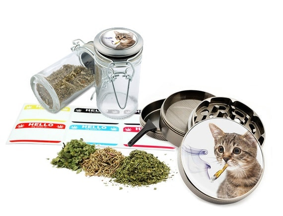 "Smoking Cat - 2.5"" Zinc Alloy Grinder & 75ml Locking Top Glass Jar Combo Gift Set Item # G50120915-14"