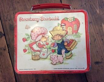 1980 Strawberry Shortcake Lunchbox Vintage (A229)
