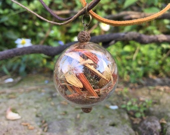 Glass pendant necklace with pot pourri of spring