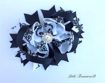 Black and White Monogram hairbow, Birthay Bow, black and white bow with rhinestone, Elegant Black and White boutique style bow.