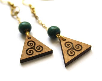 Celtic earrings, triskele engraved, wood triskellian earring, wooden triangle shape, triskelion jewel, traditional jewelry, made in France