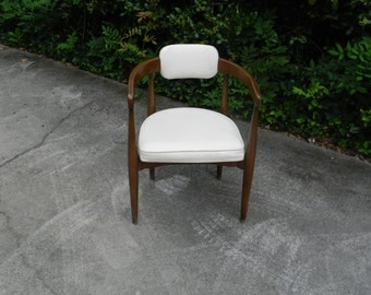 Vintage Mid Century Barrel Side Chair